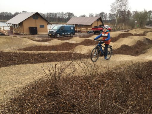 Gravel pumptrack TerSpegelt